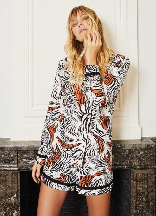cyell zebra pyjamatop met knopen 950101-087 en pyjamashort 950201-087